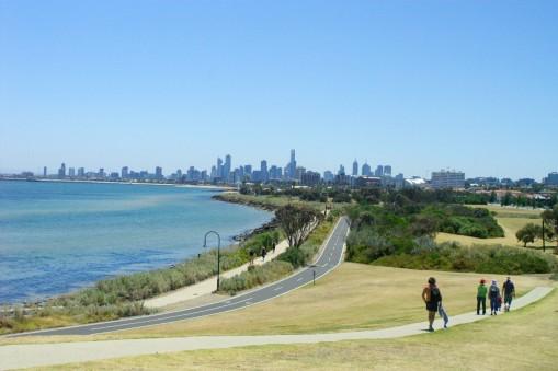 Parc de St Kilda avec vue sur Melbourne